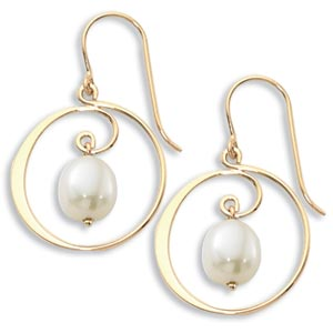 14k Yellow Gold and Pearl Earring by Carla Corporation